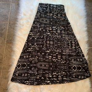 Mossimo Supply Co. Maxi Skirt Black White Aztec